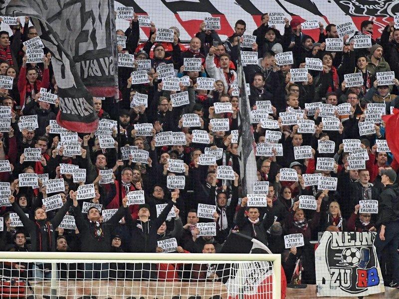 """Choreo der Bayer """"Fans (Quelle: Kicker.de)"""